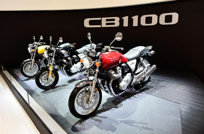 New 2017 Honda Motorcycles / Models Released - 2017 Honda CB1100EX / CB1100RS