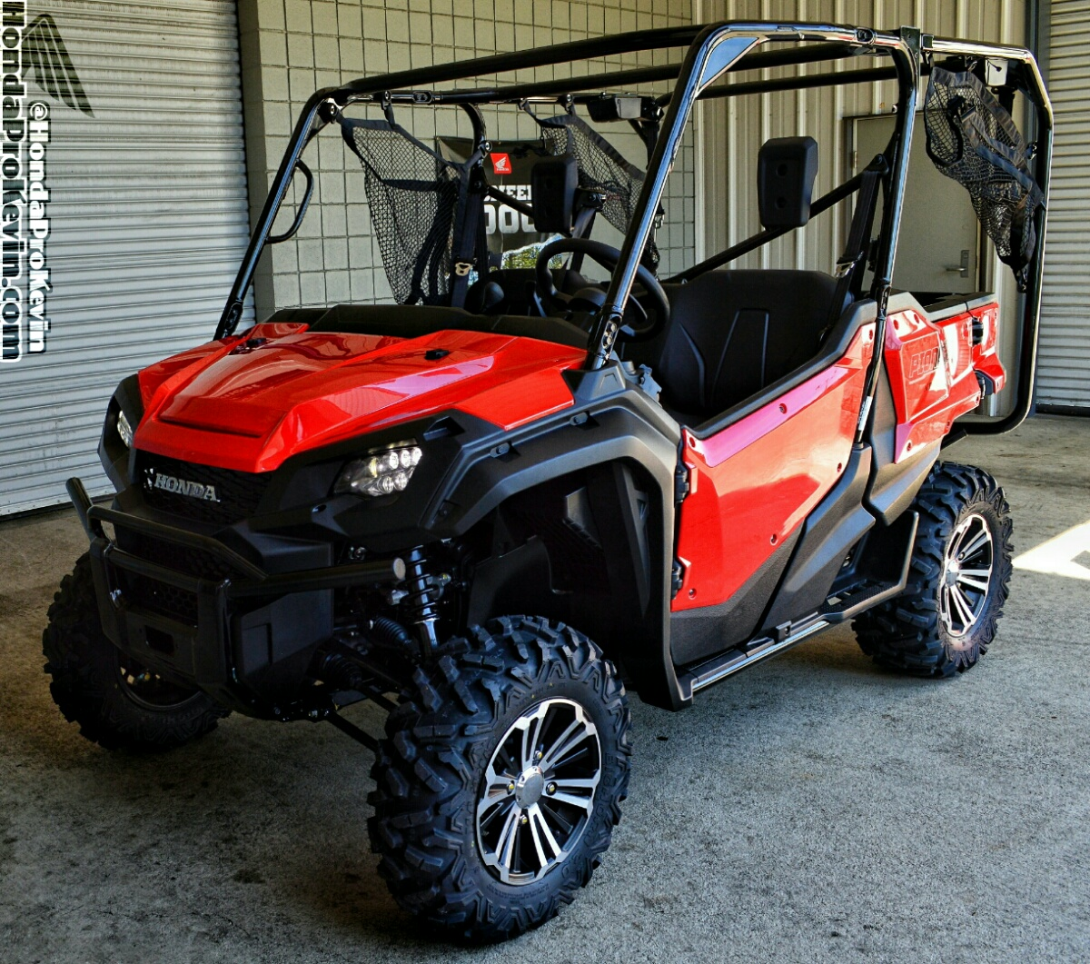 2017 Honda Pioneer 1000-5 Deluxe Review / Specs - Side by Side ATV / UTV / SxS / Utility Vehicle 4x4 - SXS1000 - SXS10M5