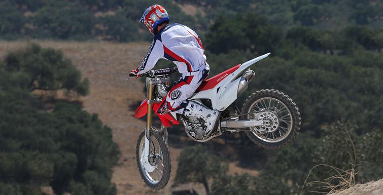 2016 Honda CRF250R Review - Race / Dirt Bike - 250 cc Motocross / Supercross Motorcycle