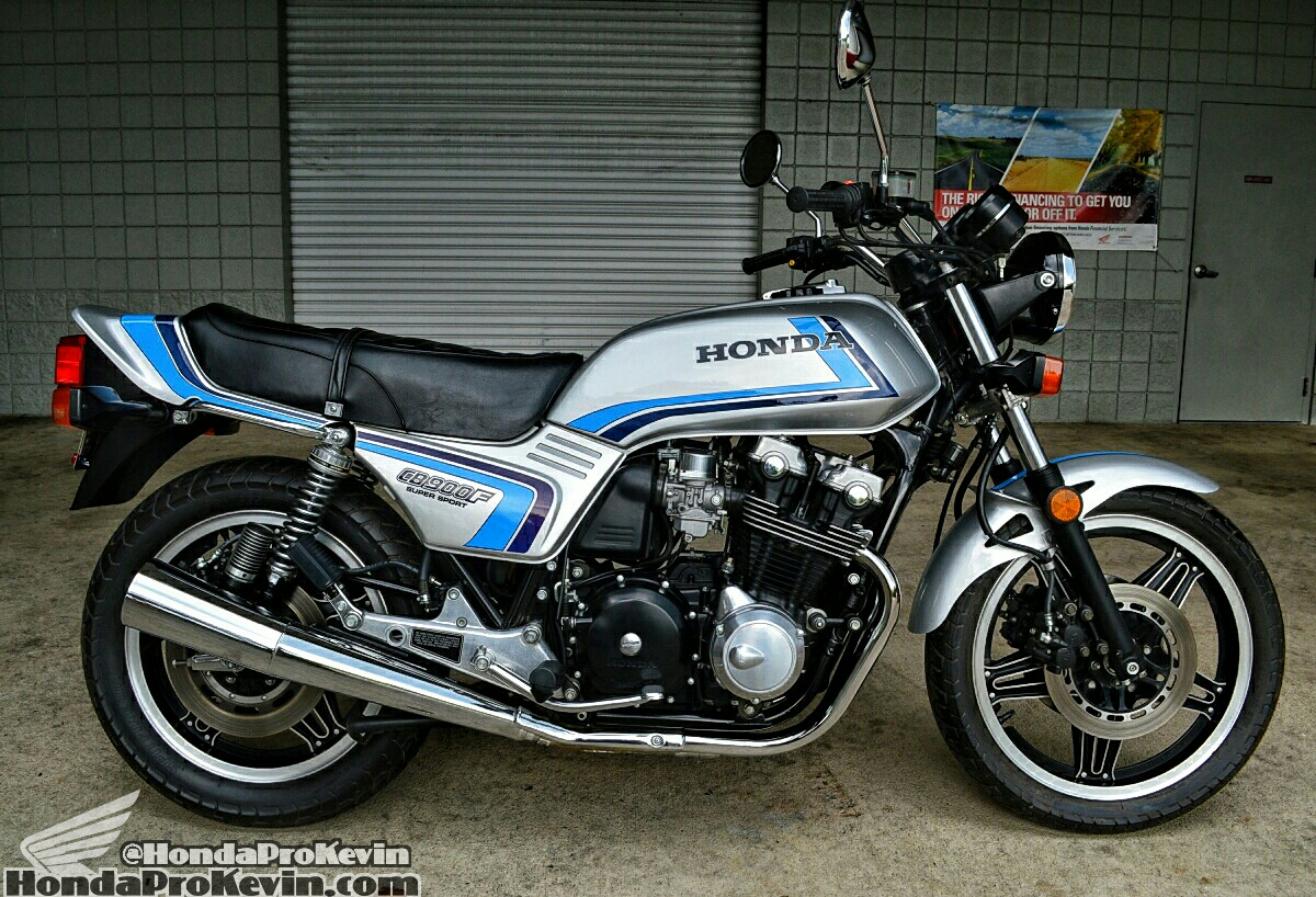 Vintage / Classic 1982 Honda CB900F Super Sport Motorcycle - MUST SEE All Original Museum Piece!