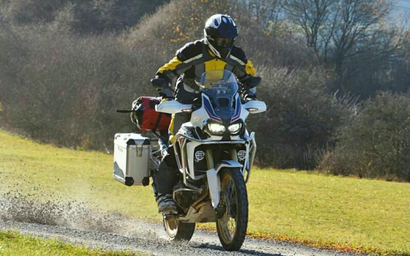 2016 CRF1000L Review | Honda Adventure Motorcycles 1000 cc