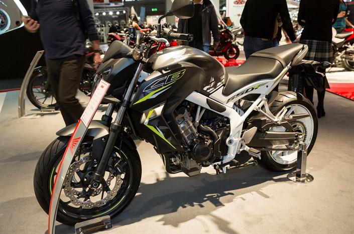 2016 Honda Cb650f Review Of Specs Naked Sport Bike