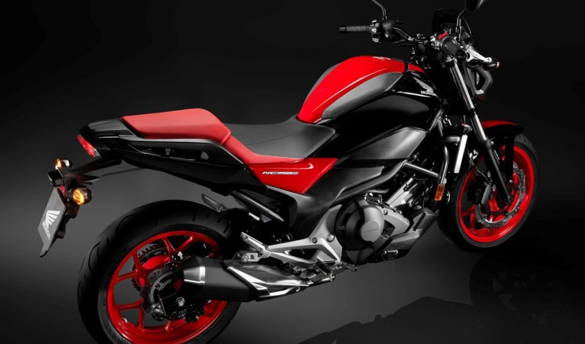2017 Honda NC750S Motorcycle Review / Specs