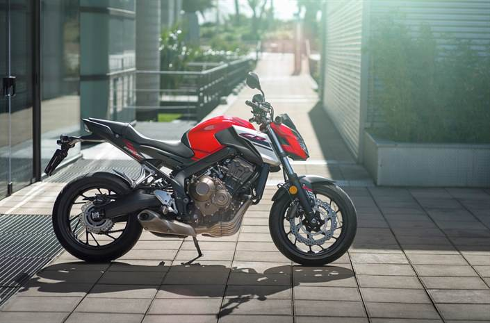 2018 Honda CB650F Review / Specs - Naked CBR Sport Bike / StreetFighter Motorcycle Price, HP & TQ, Colors and more!